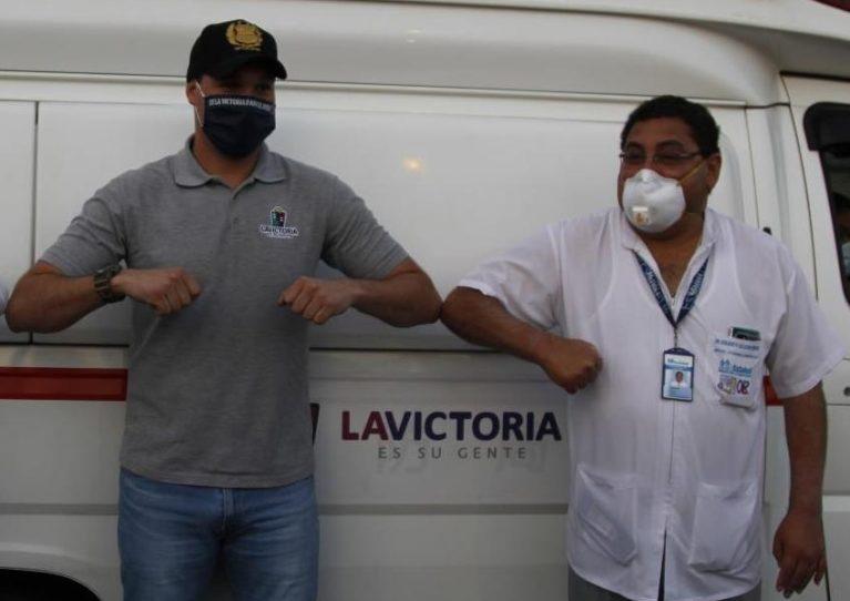 Gerente de EsSalud Arequipa es precandidato al congreso por el partido Restauración Nacional