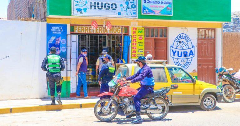 Continúan operativos a locales comerciales en Punta de Bombón