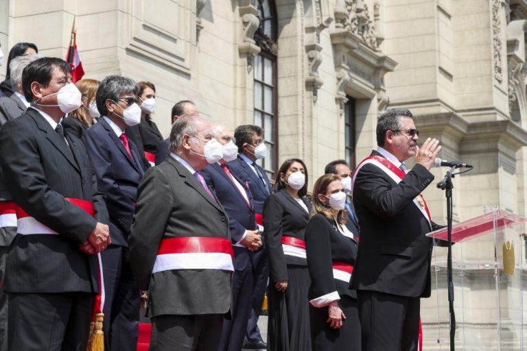 Presidente Merino llama a la calma y unidad, y ratifica respeto a elecciones