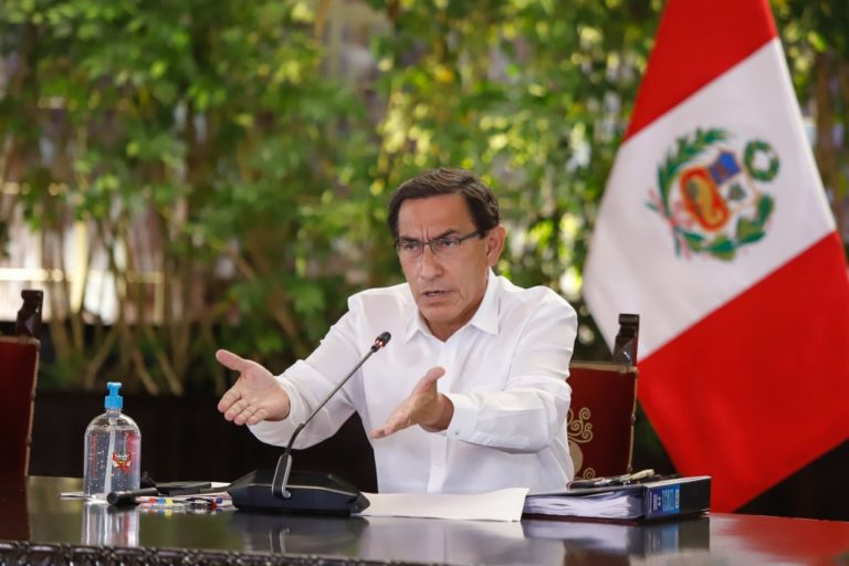 Martín Vizcarra pide adelantar fecha de su defensa sobre la vacancia para este viernes