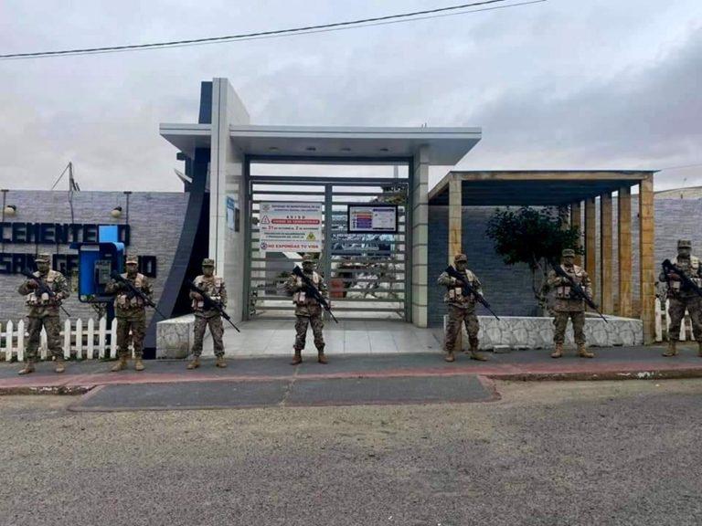 PNP y Ejército resguardan cementerios y playas de Ilo