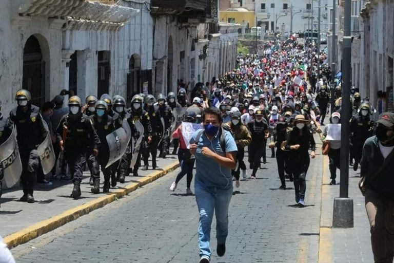Protestas en Arequipa por vacancia presidencial