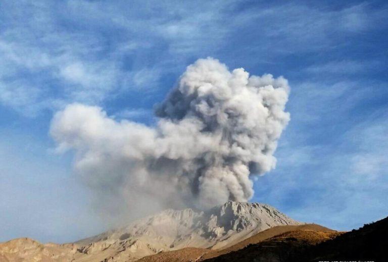 Trabajan para sensibilizar riesgo volcánico y de sismos