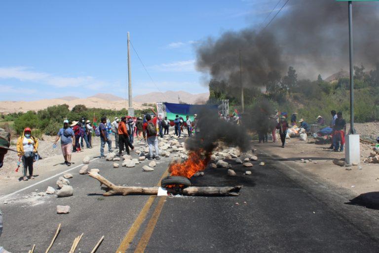 Población de Sánchez Cerro bloquean puente Montalvo en su tercer día de protesta