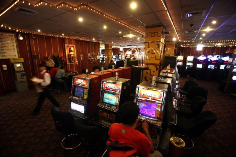 Gobierno permitirá reapertura de casinos, teatros y cines en nueva Fase 4