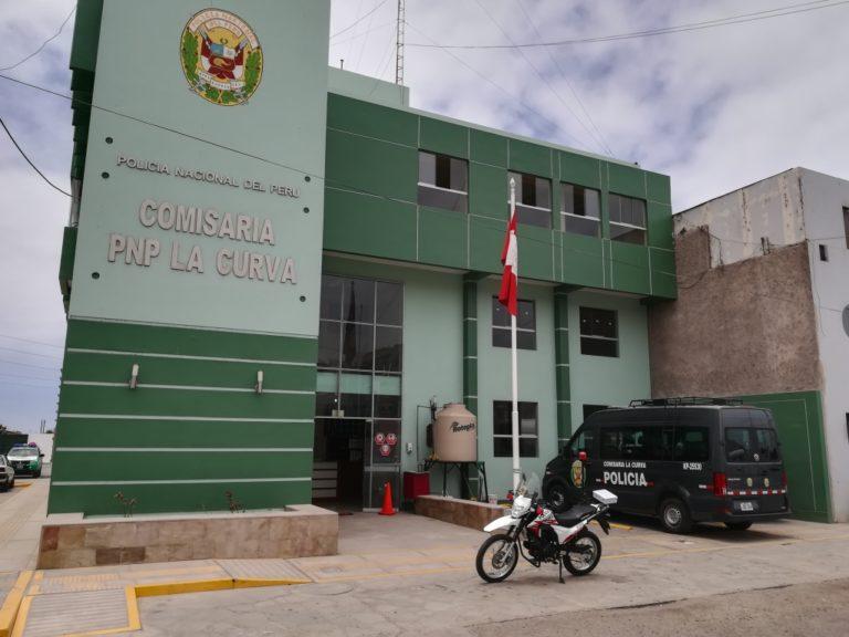 Imponen papeletas a cinco personas que ocupaban playas en Deán Valdivia