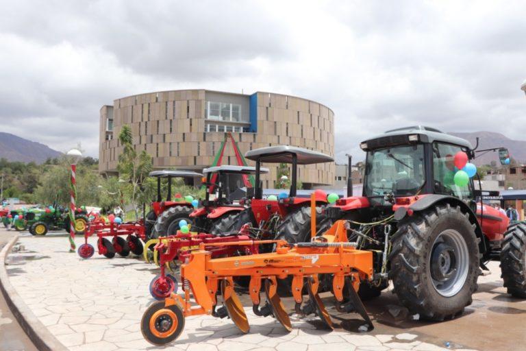 Modernizan pool de maquinaria agrícola