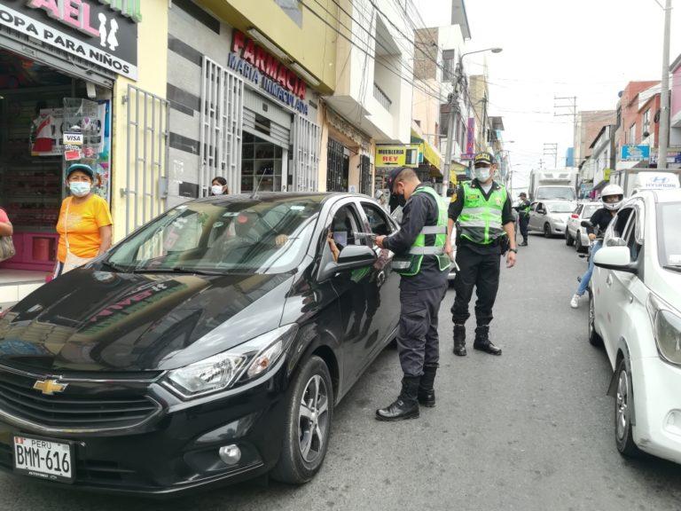 PNP de Mollendo impuso papeletas a conductores de autos particulares en navidad