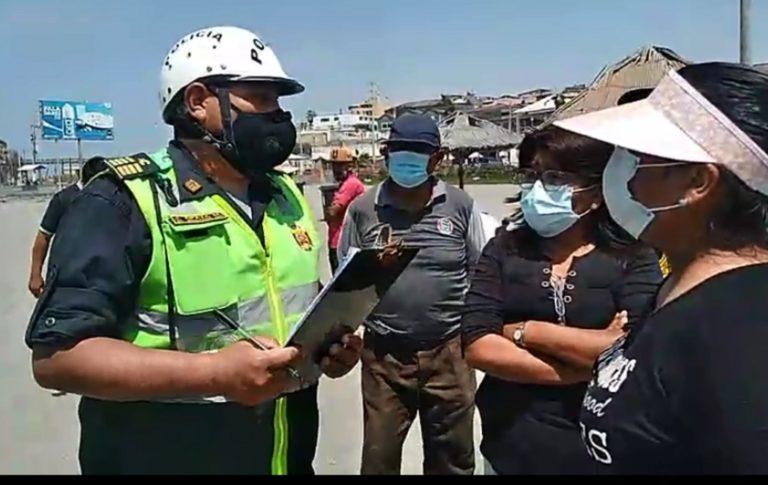 Policía y marina intervienen primera playa en cumplimiento de la línea de alta marea