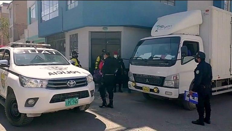 Tres sujetos armados asaltan a repartidores de alimentos
