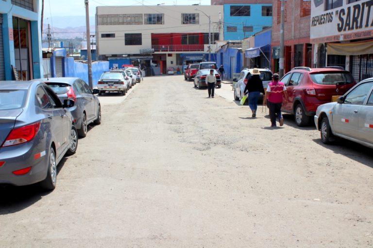TRINQUETES POLÍTICOS:Agachados retirados