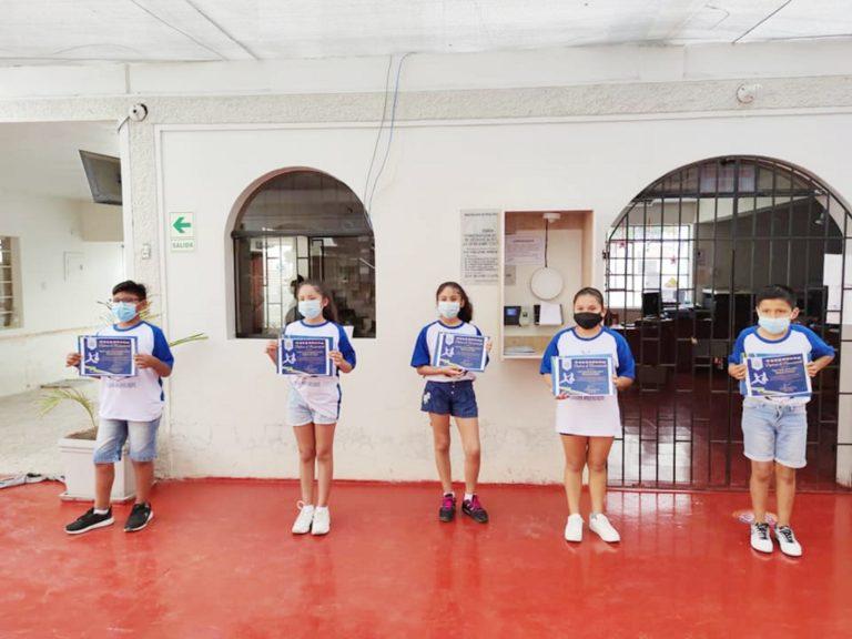 Entregan reconocimiento a ballet de danzas municipal en Punta de Bombón