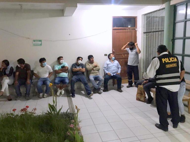 Mollendo: Policía interviene a 11 personas tomando en bar clandestino de Miramar