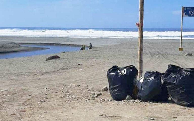 Continúa recojo de residuos sólidos en playas punteñas