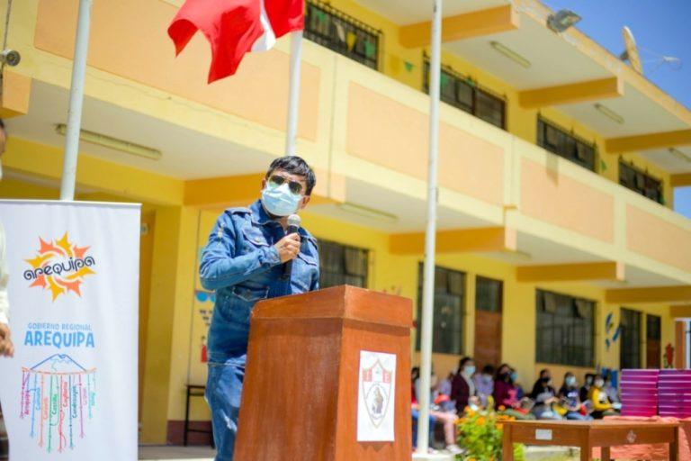Cáceres Llica: predisposición de gobierno ruso para vacunas en Perú, es saludable
