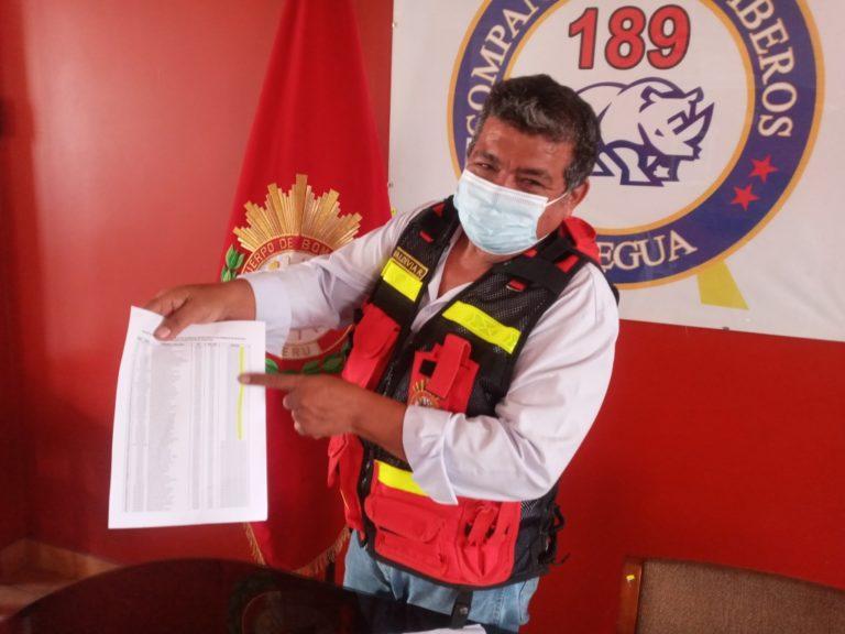 Comandante de la Compañía de Bomberos de Moquegua niega que incluyó a Martin Vizcarra en la lista