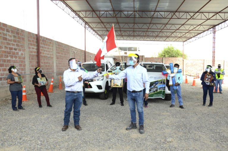Completan entrega de camionetas para Quellaveco