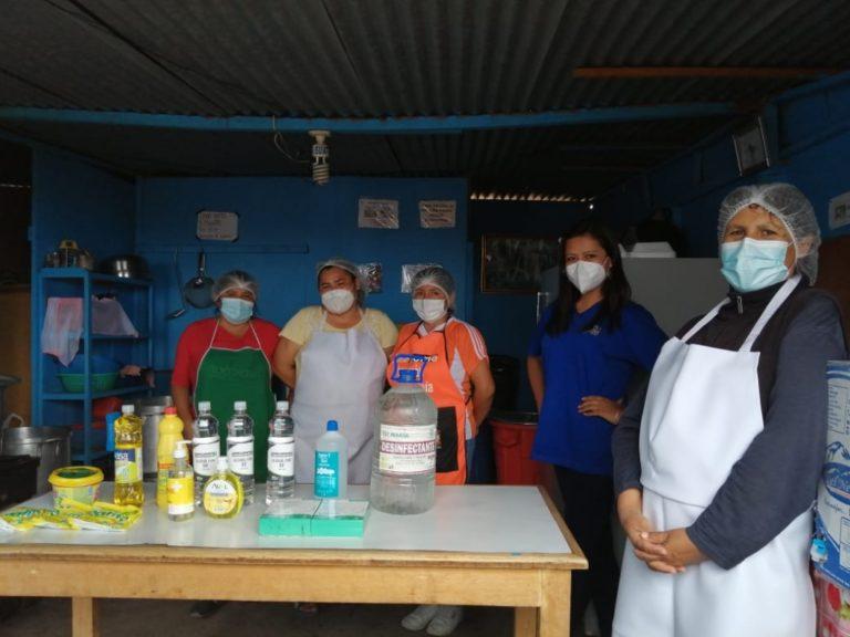 Municipalidad Provincial de Islay y empresa privada entregan kit de limpieza a comedores