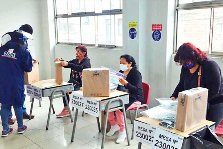 Minsa confirma que los miembros de mesa no serán vacunados contra la COVID-19 antes de las elecciones