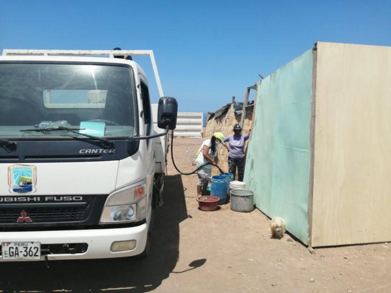 Reparten agua potable en sectores vulnerables de Islay-Matarani