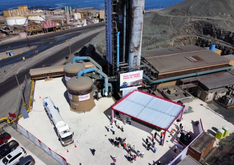Presidente Sagasti suscribe acuerdo para la donación de 20 toneladas de oxígeno diarias en Ilo