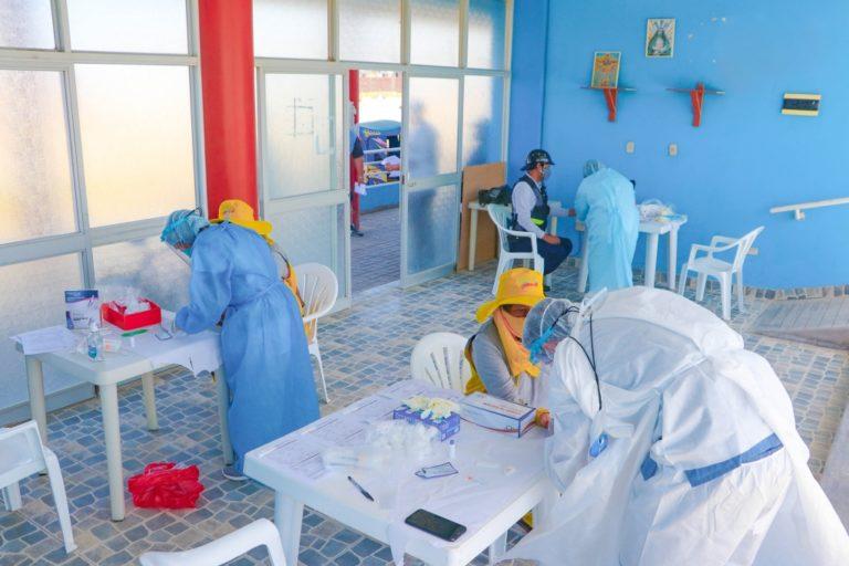 Realizan pruebas rápidas a personal edil de Punta de Bombón