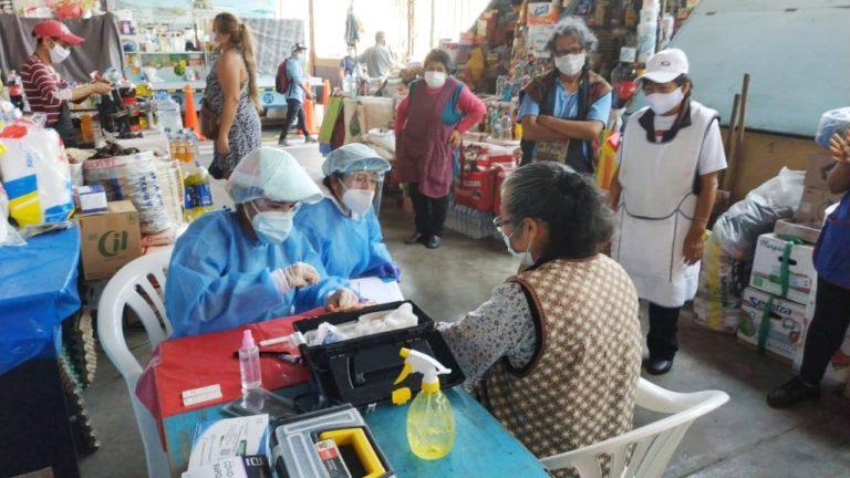 Equipos de respuesta rápida de la Red de Salud Islay continúan con trabajo de campo