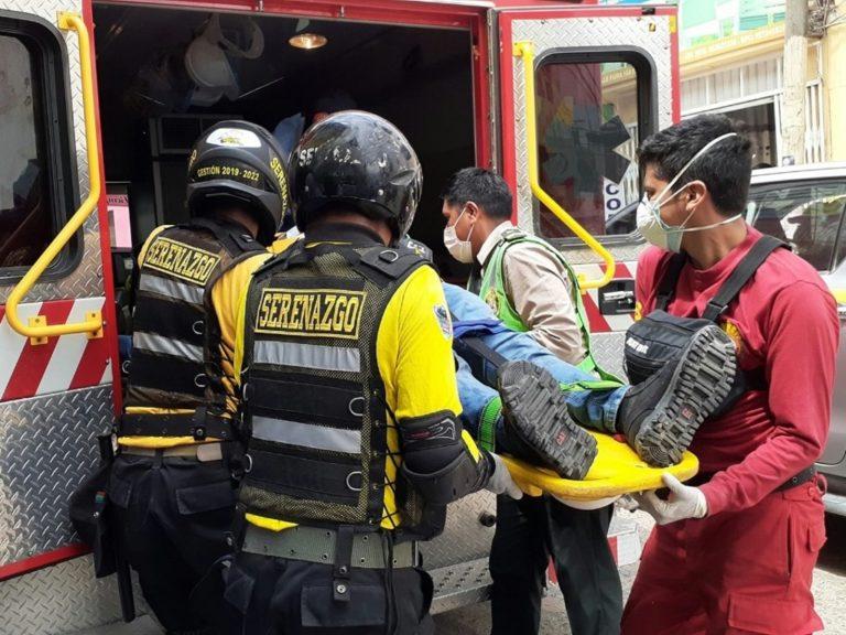 Joven ingeniero cae de techo de mercadillo de la calle Piura