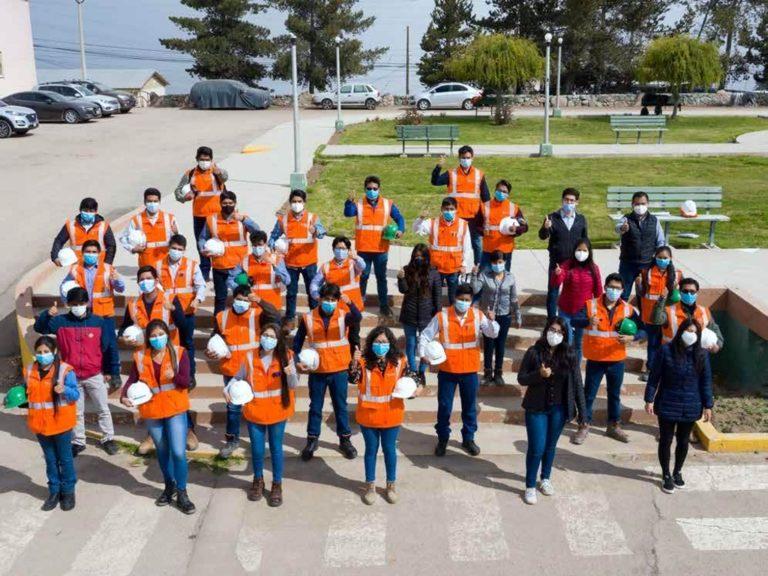 Jóvenes de distintos puntos del país aplican beca de estudios en Southern Perú