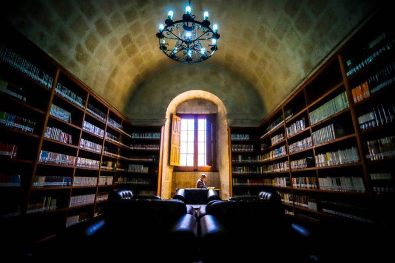 Biblioteca regional: GRA asegura que cuidará mejor libros de Mario Vargas Llosa