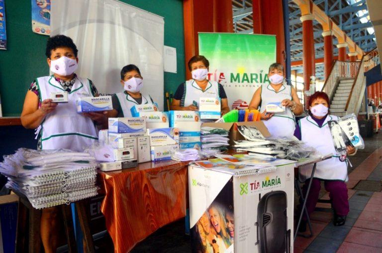 Comerciantes del mercado San José de Mollendo reciben donación de Tía María