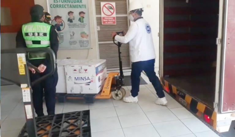 Arequipa: Llega cuarto lote de vacunas para personal de Salud