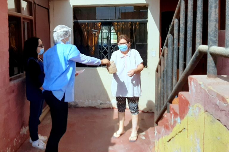 Red Amachay de la Municipalidad de Pacocha y EsSalud entregan medicamentos