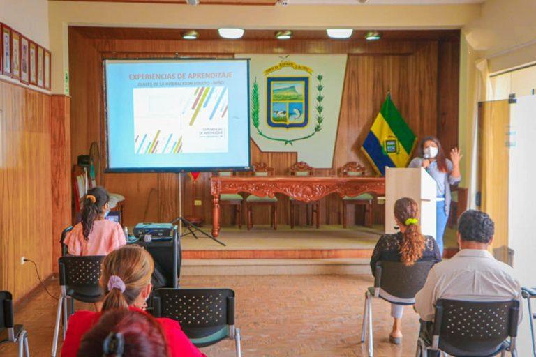 Directores reciben taller de capacitación en educación inicial