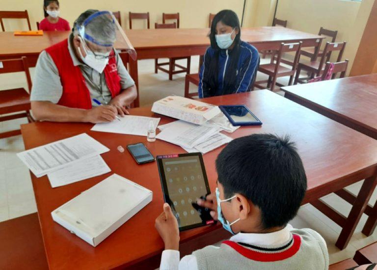 Contraloría inicia supervisión de entrega y funcionamiento de tablets en la región Arequipa