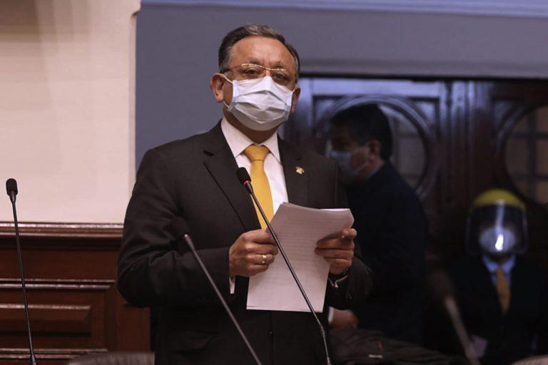 Fiscalía sustenta impedimento de salida del país por 18 meses contra Edgar Alarcón