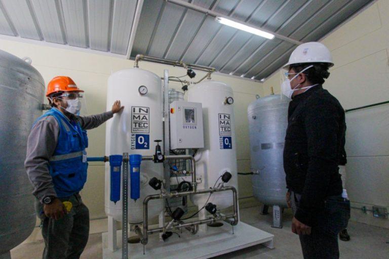 Cáceres Llica reitera compromiso de instalar planta de oxígeno en Islay