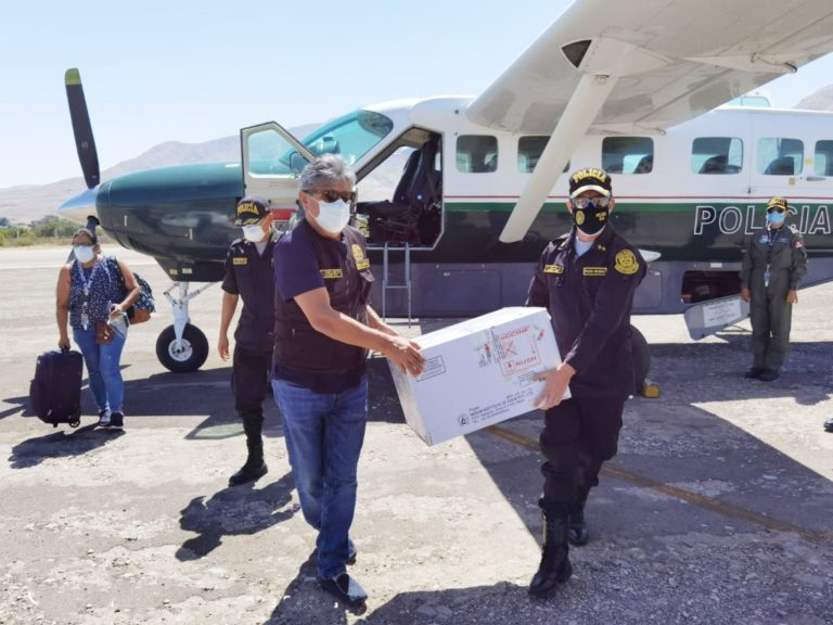 Llegaron a Moquegua las vacunas que serán aplicadas al personal de la policía