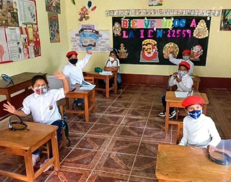 Detectan 9 colegios en Arequipa dando clases presenciales