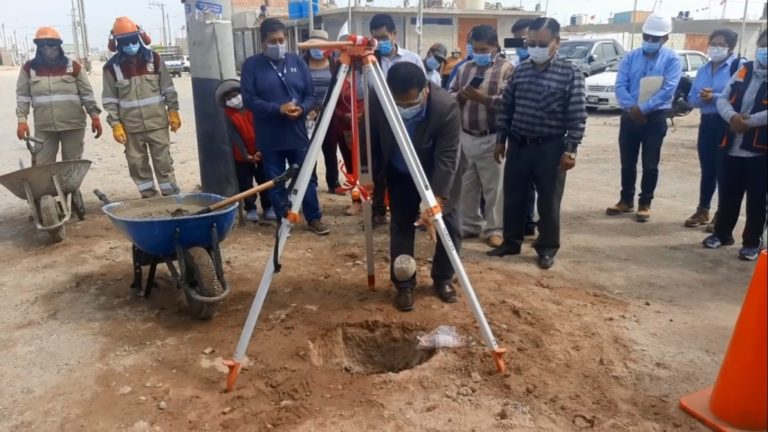 Colocan primera piedra para construcción de la avenida 5 en Santa Rosa