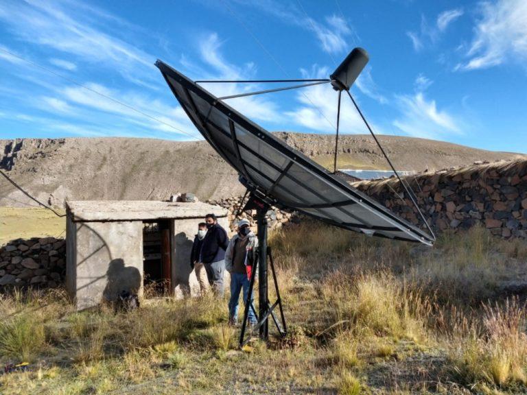 Arequipa: Instalan paneles y reparan antenas para clases escolares