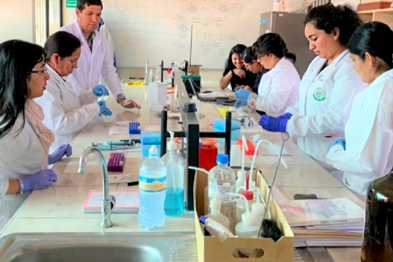Promueven doctorado para investigar anemia, tuberculosis, cáncer y Alzheimer