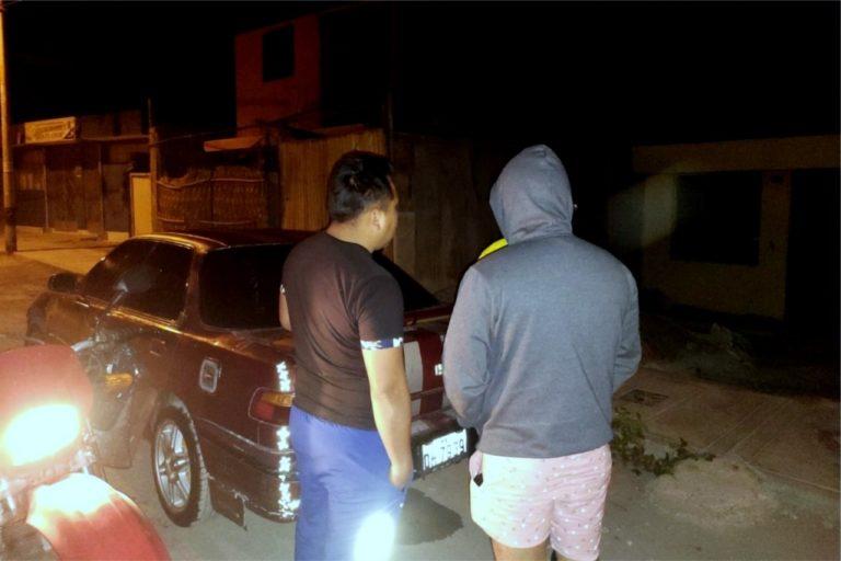 Intervienen a dos policías ingiriendo bebidas alcohólicas en la vía pública durante el toque de queda