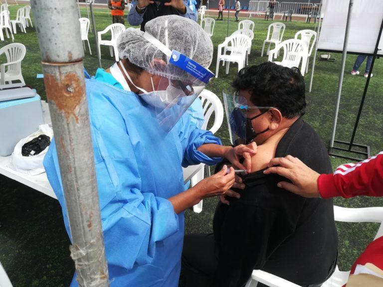 Red de Salud Islay esclarece criterios de vacunación en Mollendo
