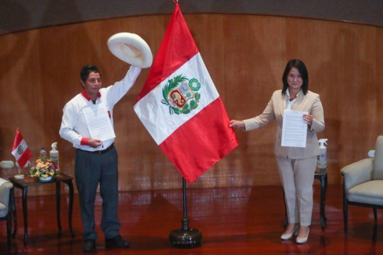 Pedro Castillo y Keiko Fujimori suscriben adhesión a Proclama Ciudadana
