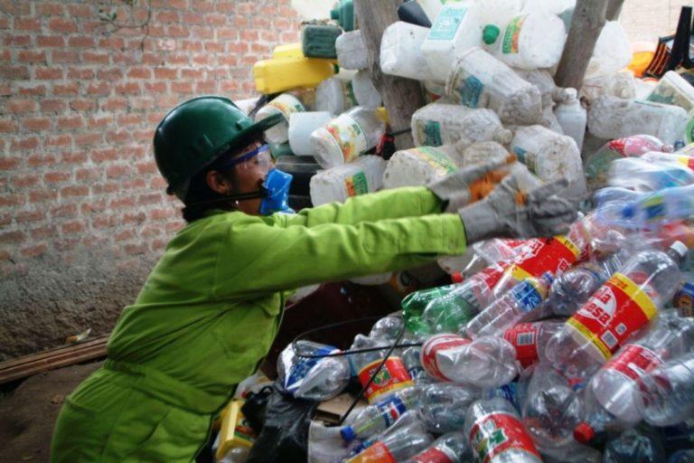 Recicladoras suspenden recojo de material en Mollendo
