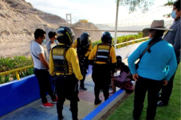 Joven de 18 años intentó lanzarse del puente colgante de Chen Chen