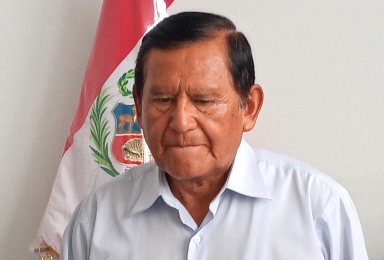 Zenón Cuevas cambiará a gerentes regionales de Educación y Agricultura