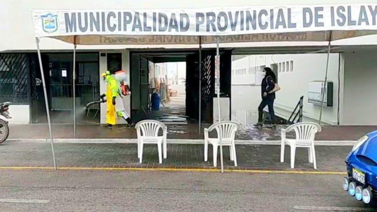 Realizan desinfección en interior de la Municipalidad Provincial de Islay