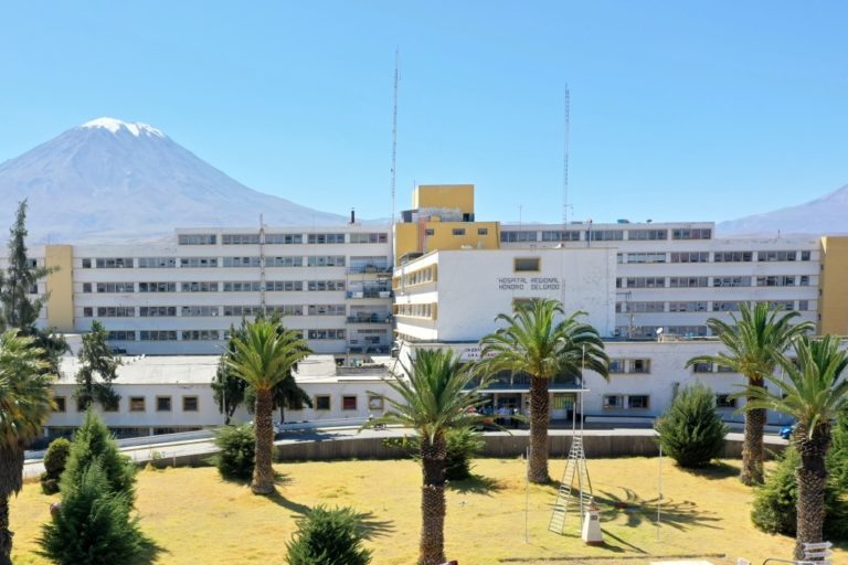 Arequipa: Habilitan consulta externa de especialidades para niños
